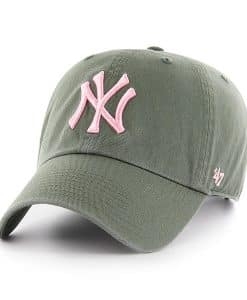 New York Yankees Women's 47 Brand Moss Pink Clean Up Hat