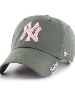 New York Yankees Women's 47 Brand Moss Pink Miata Clean Up Hat